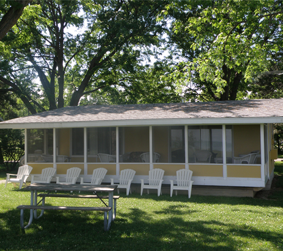 Put-in-Bay bay club cottages