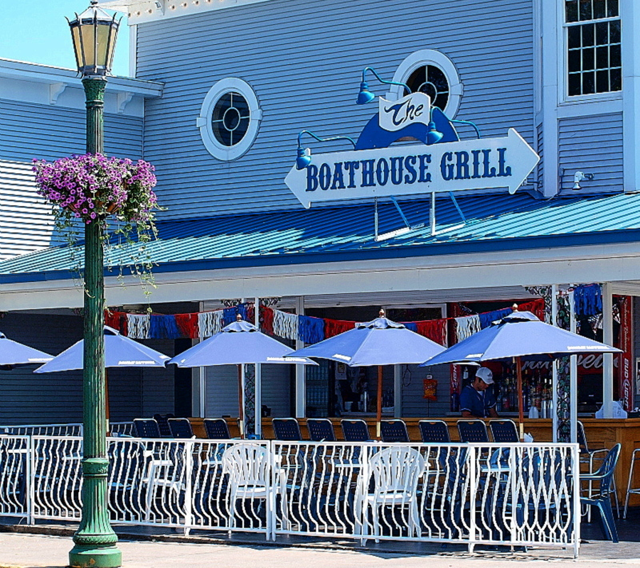 Put-in-Bay boathouse bar and grill put in bay