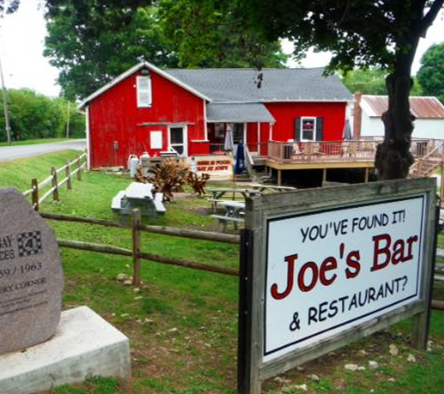 Put-in-Bay joes bar and restaurant put in bay